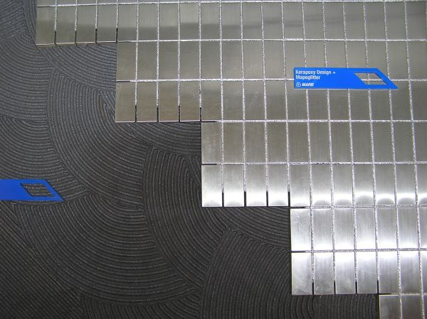 заполнение швов стеклянной мозаики фото